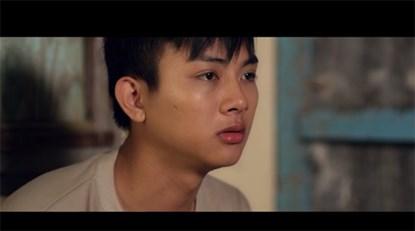 Với lời ca ý nghĩa, giọng hát đầm ấm và lối diễn xuất tình cảm, MV của Hoài Lâm thực sự khiến gười hâm mộ xúc động