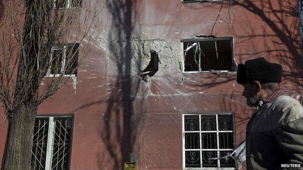 Tình hình Ukraine mới nhất: Giao tranh vẫn diễn ra ác liệt ở miền đông Ukraine, đặc biệt là quanh thị trấn Debaltseve