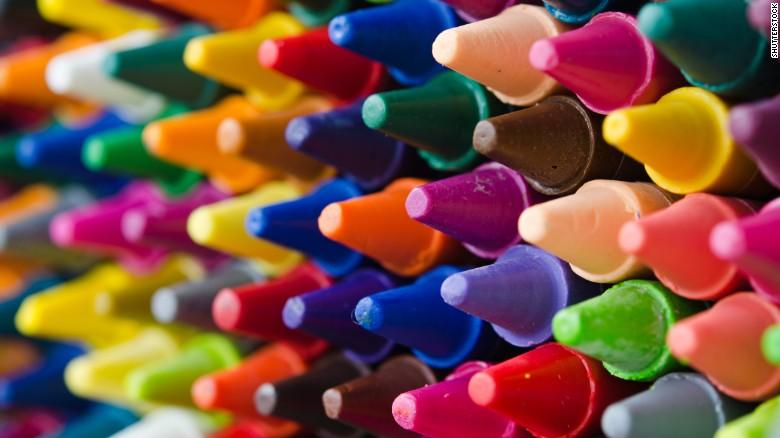 Bút chì màu chứa amiăng gây hại đến sức khỏe trẻ em, thậm chí gây ung thư