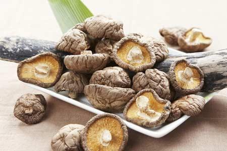 Người tiêu dùng nên chú ý để chọn mua được nấm hương khô ngon