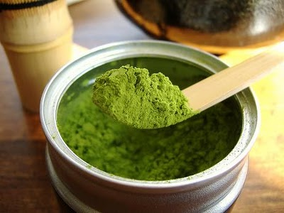 Cách làm bột trà xanh nhỏ mịn đơn giản ngay tại nhà