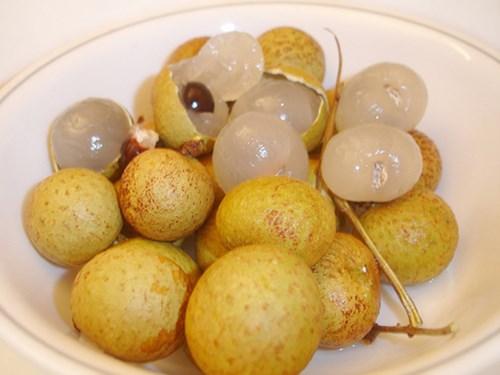 Cách phân biệt nhãn Trung Quốc dựa vào hình dáng, mùi vị của quả