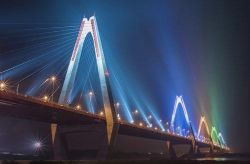 Đêm Giao thừa cấm các loại phương tiện qua cầu Nhật Tân là tin tức mới cập nhật 24h hôm nay