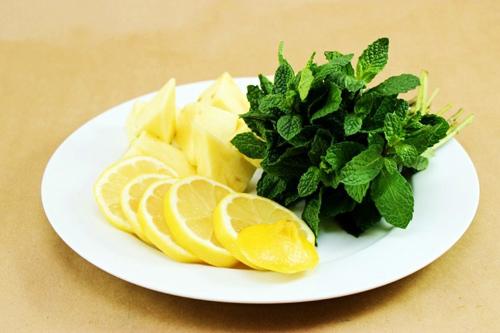 Dứa, chanh, bạc hà có thể chế biến thành nước uống detox giảm cân an toàn