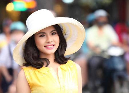 Diễn viên Vân Trang là vị giám khảo trẻ tuổi nhất trong lịch sử Liên hoan phim Việt Nam