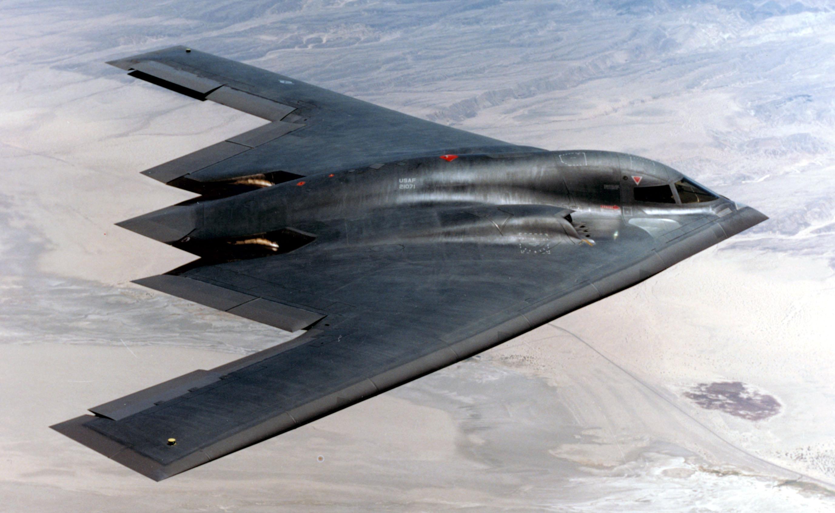 Máy bay ném bom B-2 Spirit của Northrop Grumman là vũ khí hiện đại nhất và đắt nhất của quân đội Mỹ