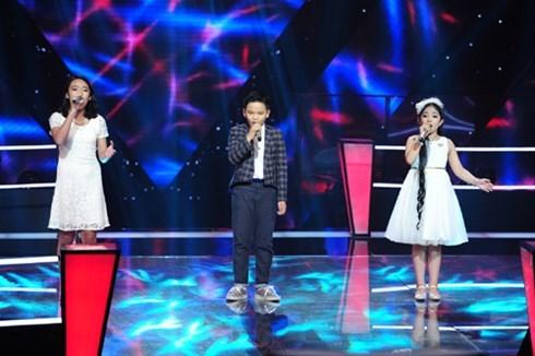 Ở vòng Đối đầu của Giọng hát Việt nhí 2015, Hồng Minh đã thể hiện xuất sắc và được chọn đi tiếp