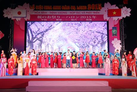 Tiết mục trình diễn trang phục truyền thống hiện đại của Việt Nam - Nhật Bản