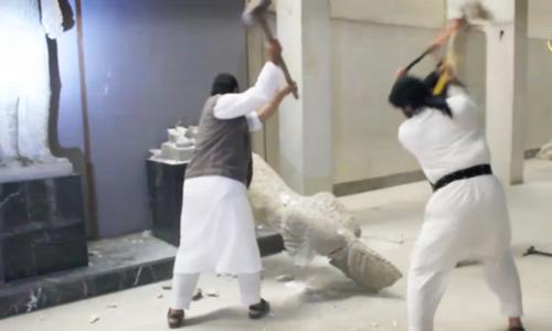 Phiến quân Nhà nước Hồi giáo đập phá các bức tượng ở Mosul trong video đăng tải hôm 26/2
