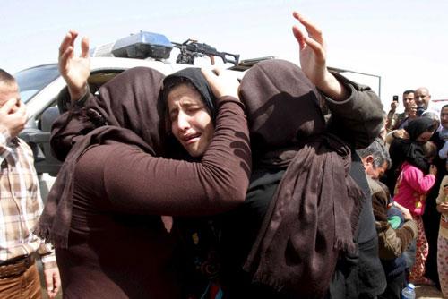 Những người Yazidi nghẹn ngào khi được trở về nhà sau một thời gian bị IS giam giữ