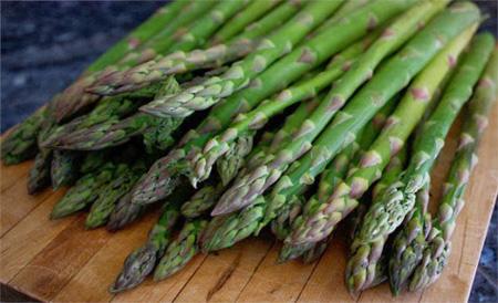 Măng tây chứa chất inulin tốt cho hệ đường ruột