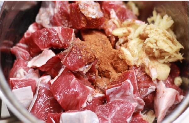 Mẹo vặt nấu ăn nên biết là không nên ướp chung các loại thịt với nhau