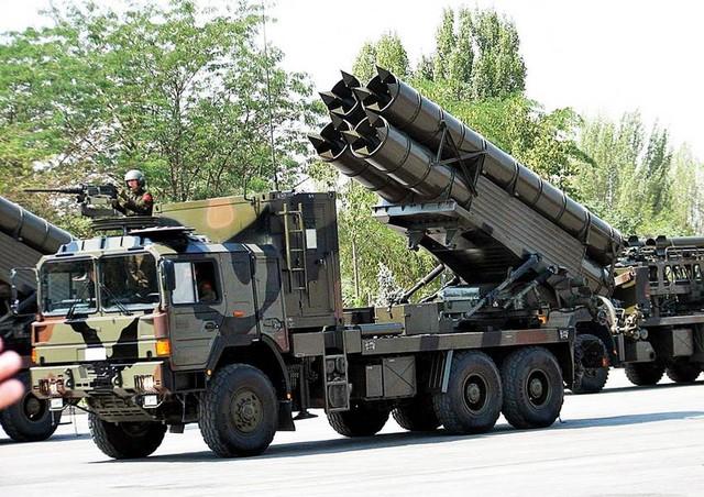 Pháo phản lực WS-1B mới hơn với đạn rocket có tầm bắn lên tới 180 km