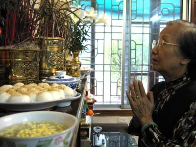 Tết Hàn thực với món bánh trôi bánh chay truyền thống là dịp để mọi người tưởng nhớ đến công ơn dưỡng dục của những người đã khuất