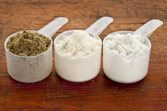 Lạm dụng thực phẩm chức năng như bột protein có thể gây nguy hại đến sức khỏe con người