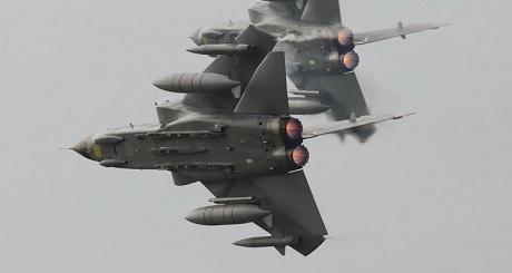 Anh tiến hành cuộc tập trận lớn nhất trong 13 năm qua với hơn 30 máy bay quân sự