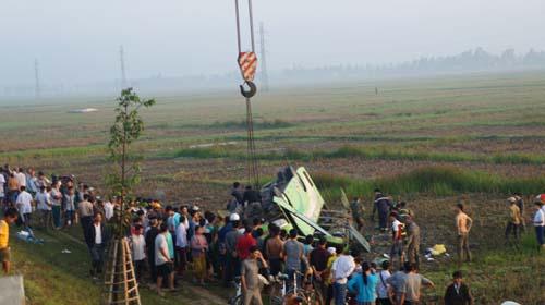 tin tức mới cập nhật 24h ngày 29/11: Hiện trường vụ tai nạn nghiêm trọng do tài xế ngủ gật