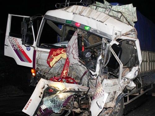 tin tức mới cập nhật 24h ngày 28/11: Vụ tai nạn nghiêm trọng xảy ra vào khoảng 0 giờ 30 phút tại đoạn đường tránh ở TP Vinh, tỉnh Nghệ An