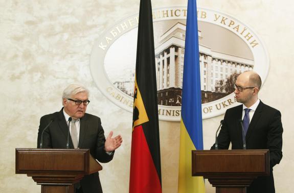 Tình hình Ukraine: Ngoại trưởng Nga và Tổng thống Nga đã có cuộc hội đàm với Ngoại trưởng Đức tại Mátxcơva.