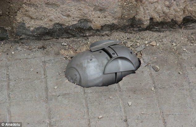 HRW cáo buộc quân đội Syria, Nga dùng bom chùm là tin tức về tình hình chiến sự Syria mới nhất ngày 22/12/2015