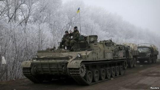 Tình hình Ukraine mới nhất: Quân đội Ukraine và phe ly khai đã và đang thu hồi vũ khí hạng nặng theo như thỏa thuận ngừng bắn