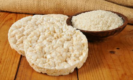 Tiềm ẩn nguy cơ mắc ung thư từ các sản phẩm chiên nướng như bánh gạo