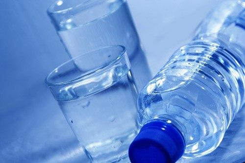 Chỉ uống nước khi thấy thực sự khát là sai lầm nhiều người mắc phải