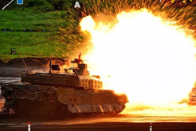 Xe tăng chiến đấu chủ lực Type-10 là một trong những vũ khí hiện đại nhất và mạnh nhất của Lục quân Nhật