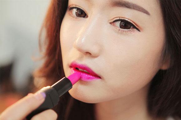 Cùng tham khảo cách chọn son môi để gương mặt trang điểm thật hoàn hảo
