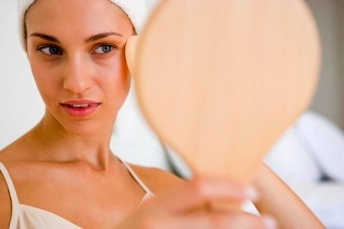 Nước, khoáng chất, xông mặt và liệu pháp thiên nhiên rât cần thiết trong điều trị mụn thịt