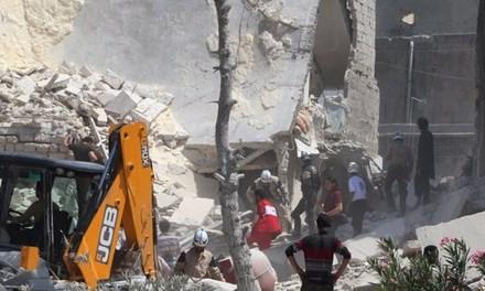 Cảnh tượng hoang tàn bên trong Aleppo sau trận không kích của chính phủ, theo tình hình chiến sự Syria mới cập nhật