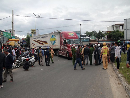 tai nạn giao thông ngày 26/2: Hai chị em bị xe bồn cuốn vào gầm, tử vong tại chỗ