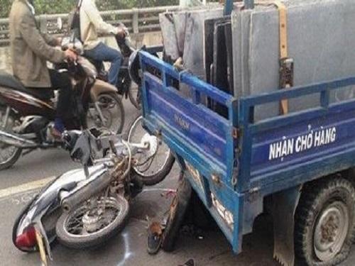 tai nạn giao thông ngày 15/3: 3 người văng khỏi xe, thương vong sau tai nạn
