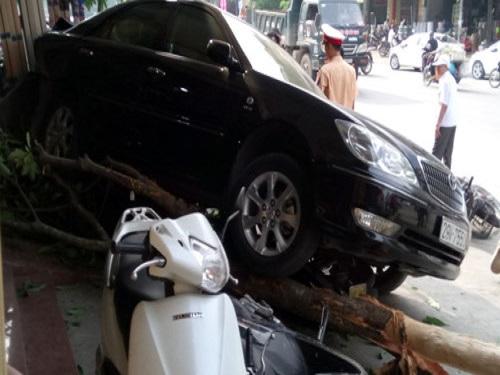 tai nạn giao thông ngày 21/4: 2 xe máy đối đầu kinh hoàng, 2 người tử vong tại chỗ