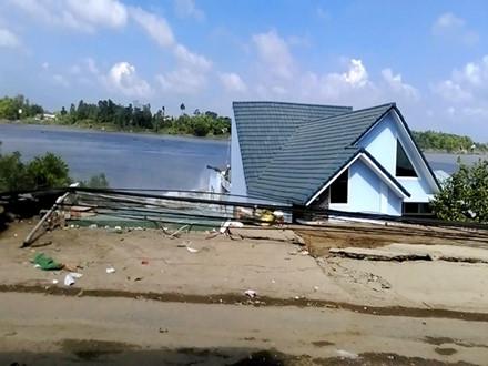 Hiện trường vụ sạt lở đất ở An Giang. Ảnh: Lao động