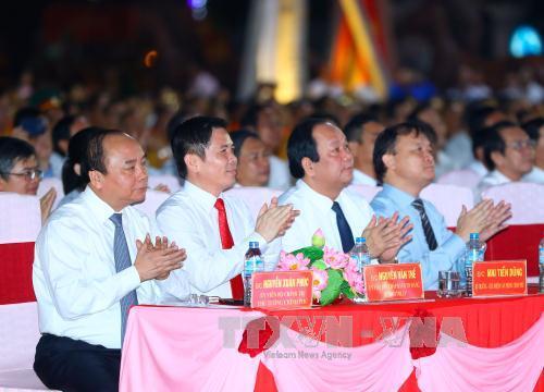 Thủ tướng Nguyễn Xuân Phúc và các đại biểu dự Lễ kỷ niệm. Ảnh: TTXVN
