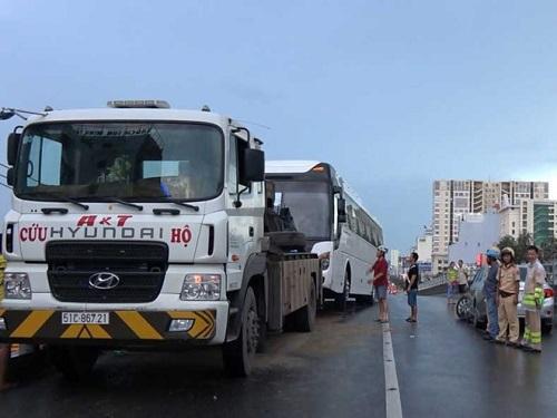 tai nạn giao thông ngày 31/5: Đâm vào khúc củi ngã ra đường bị ô tô tải cán tử vong