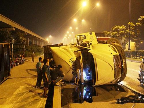 tai nạn giao thông mới nhất 24h qua ngày 22/11/2017