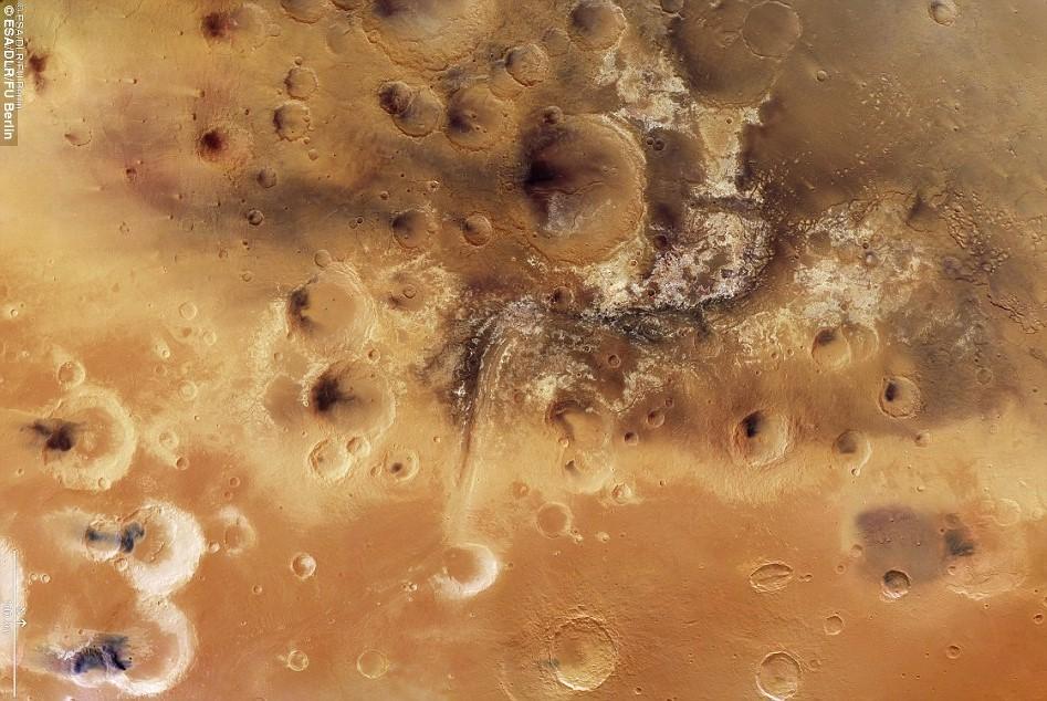 Phát hiện thung lũng nước lớn nhất trên Sao Hỏa
