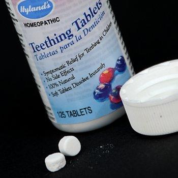 FDA khuyến cáo người dân ngừng sử dụng thuốc giảm đau răng Hyland ngay lập tức