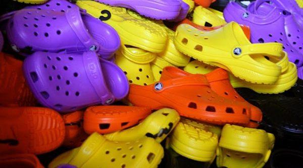 dép Crocs có thể chứa các hợp chất gây ung thư