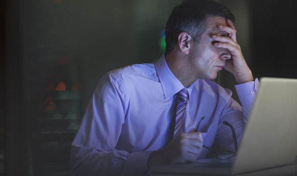 Áp lực trong công việc ảnh hưởng nghiêm trọng tới sức khỏe