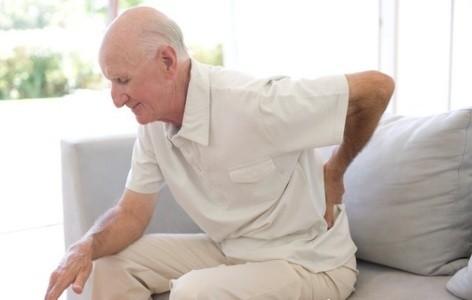 Thuốc chống loãng xương nguy cơ khiến xương xốp và dễ gẫy hơn. Ảnh minh họa