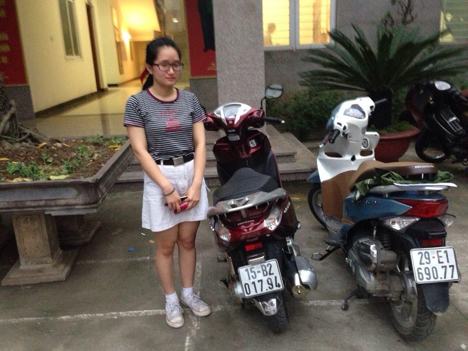 Hai chiếc xe máy của tên trộm và chiếc máy của nạn nhân