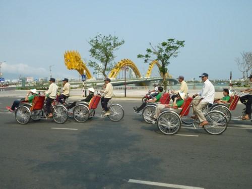 Lực lượng xe ôm, xích lô tại Đà Nẵng sẽ được hỗ trợ quà Tết 2015 từ lãnh đạo thành phố