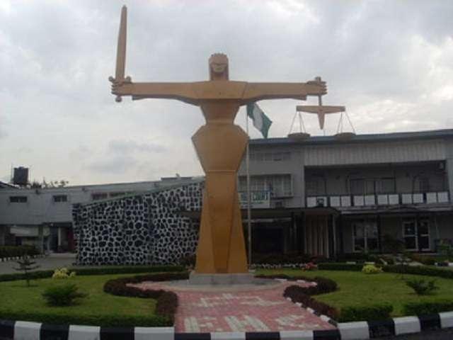 Người chồng đánh đập dã man vợ đến chết đã phải ra hầu tòa vì tội giết người