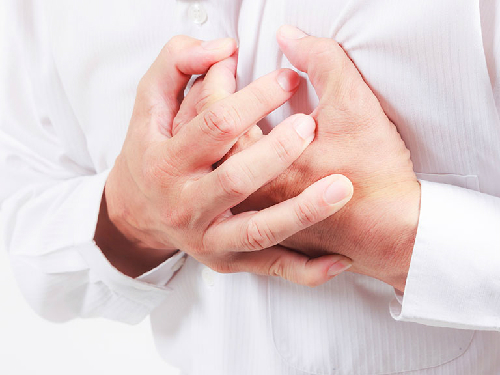 Đau ngực có thể là dấu hiệu của nhiều bệnh lý nguy hiểm khác cần phải đến khoa cấp cứu ngay
