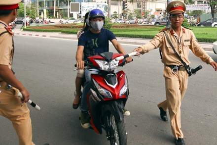 Xử lý nghiêm cảnh sát giao thông có các dấu hiệu vi phạm