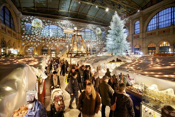 Thụy Sĩ trở thành một trong những địa điểm đi chơi Giáng sinh hấp dẫn mỗi dịp lễ Giáng sinh