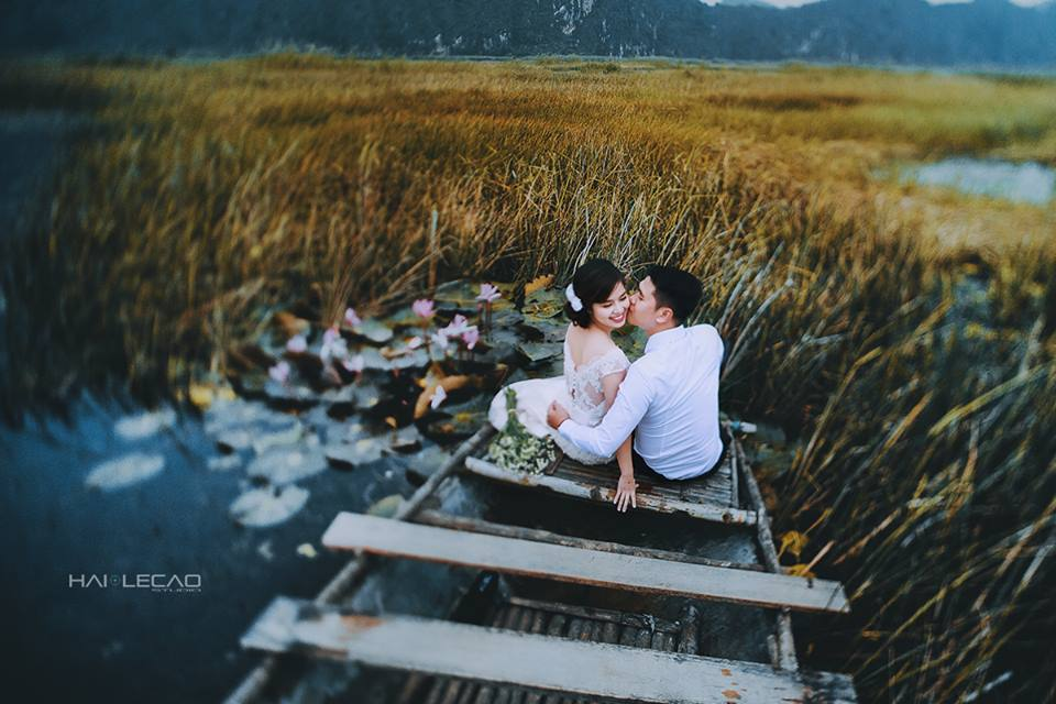 Hàng trăm hang động kỳ ảo, hồ, đầm đã tạo nên vẻ đẹp khó cưỡng khiến nhiều cặp uyên ương lựa chọn nơi đây để chụp ảnh cưới